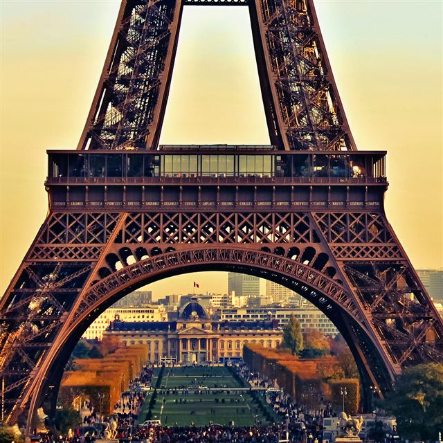 Eiffel Tower Paris City Night iPad wallpaper
