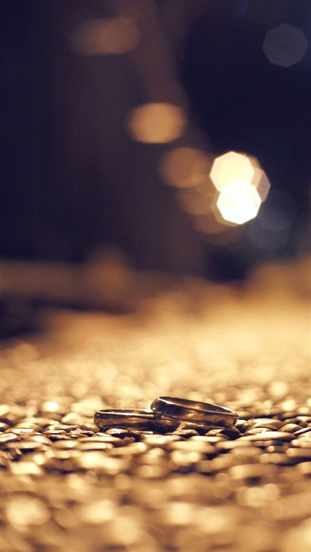 Dusky Street Rings Bokeh iPhone 8 wallpaper