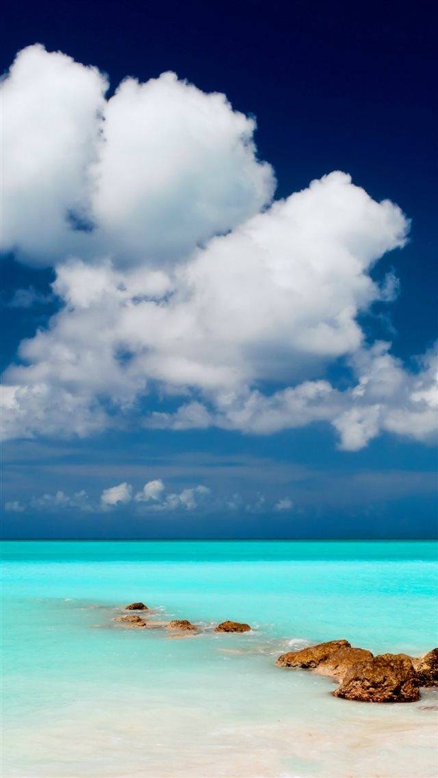 Clear Blue Sea Sky iPhone 8 wallpaper