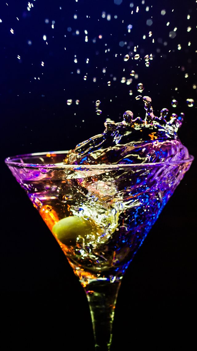 Cocktail iPhone 8 wallpaper
