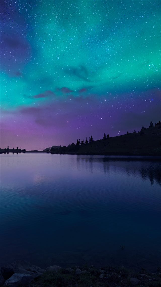 Night Fall at Lake Aurora iPhone 8 wallpaper