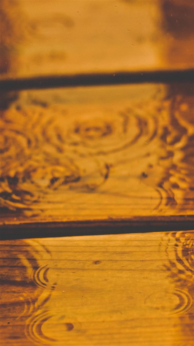 Wooden Rain Ripple iPhone 8 wallpaper