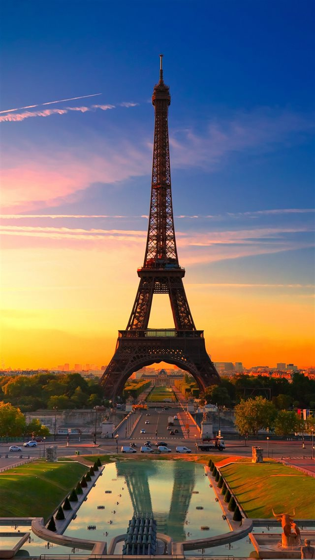 Sunset  Effiel Tower iPhone 8 wallpaper