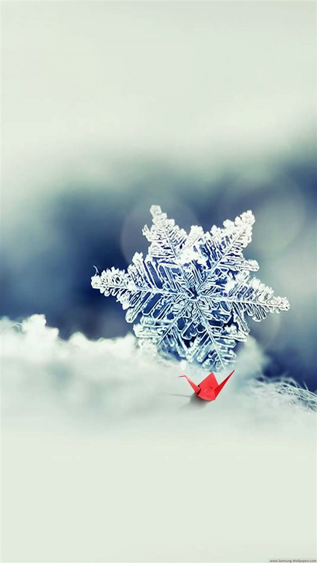 Snowflake Closeup iPhone 8 wallpaper
