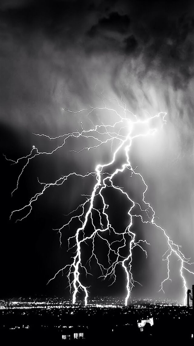 Storm Lightening Over City iPhone 8 wallpaper