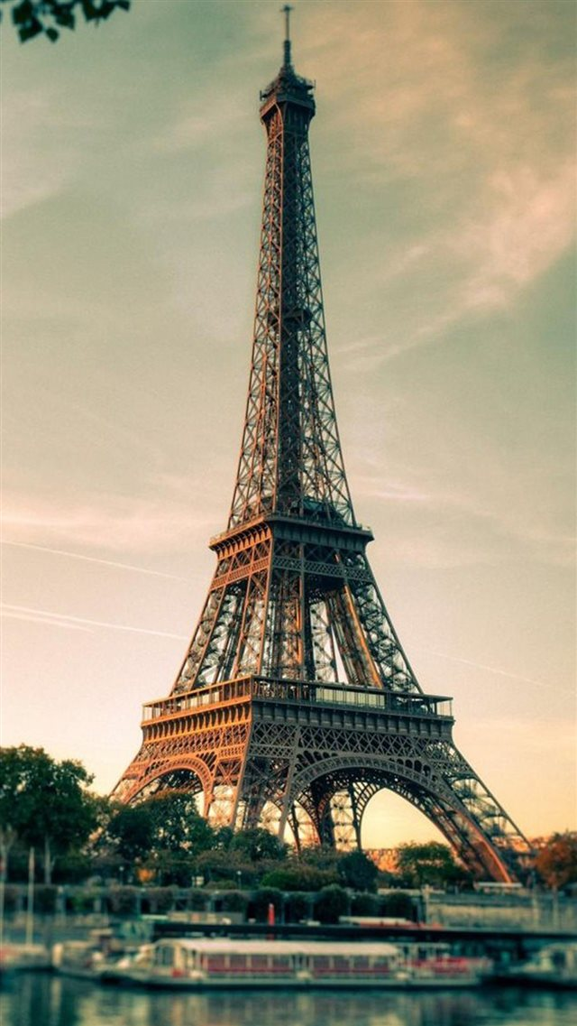 French Eiffel Tower Photography iPhone 8 wallpaper