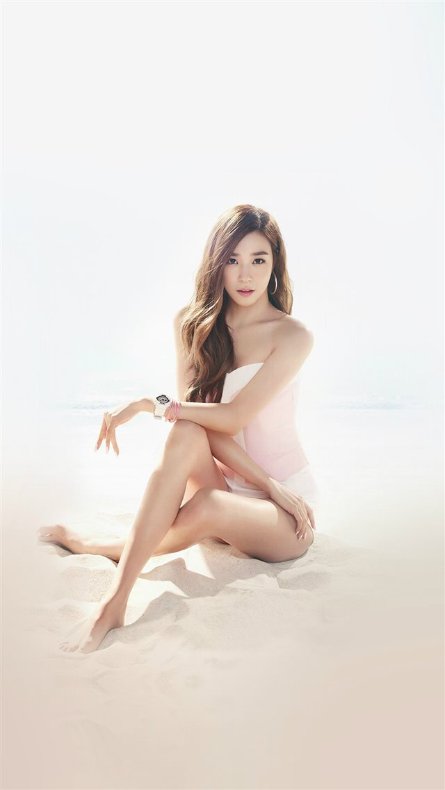 Kpop Girls' Generation Tiffany Sexy Music Beach iPhone 8 wallpaper