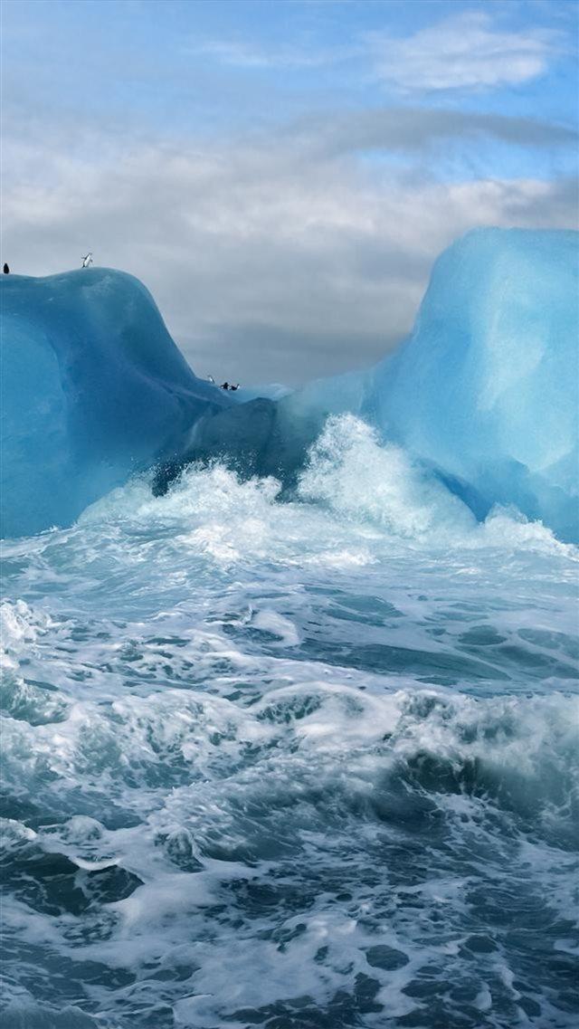 Ocean Surging Wave Penguin Iceberg Iphone 8 Wallpaper Download