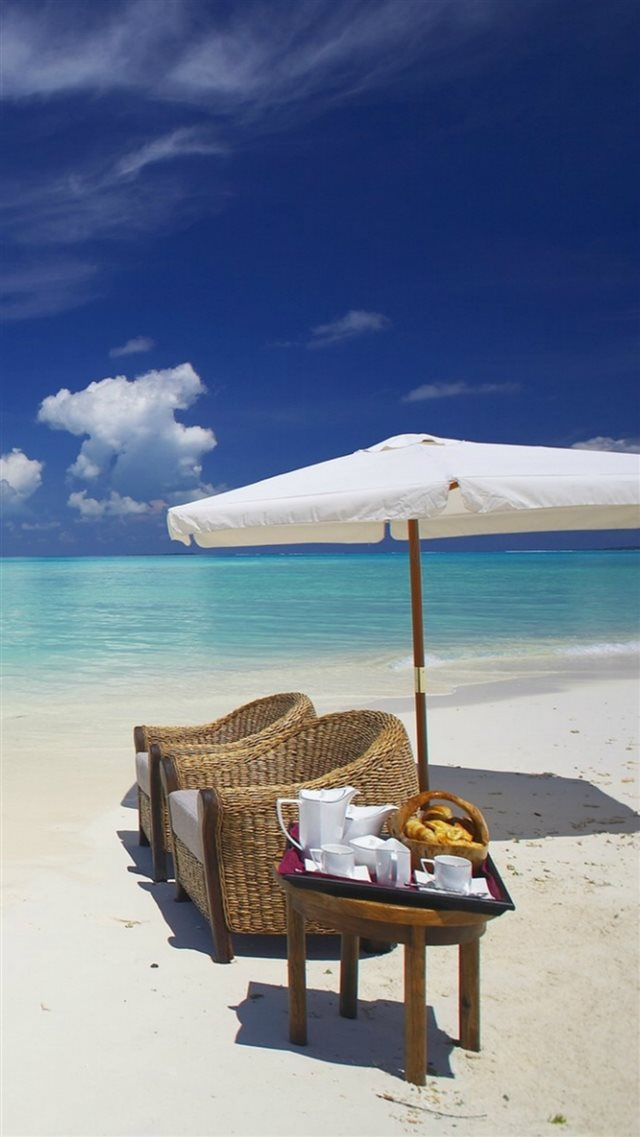 Private Beach Breakfast  iPhone 8 wallpaper