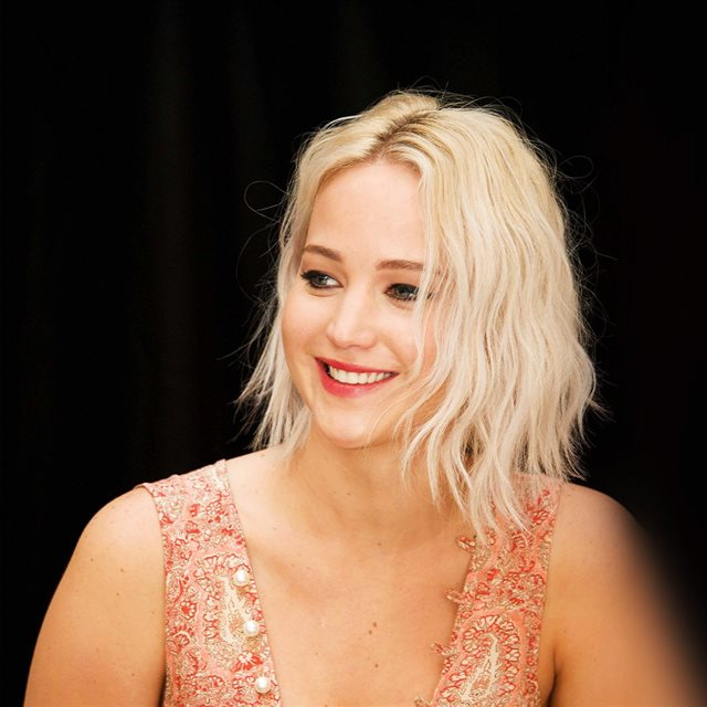 Jennifer Lawrence Actress Celebrity Beauty iPad wallpaper