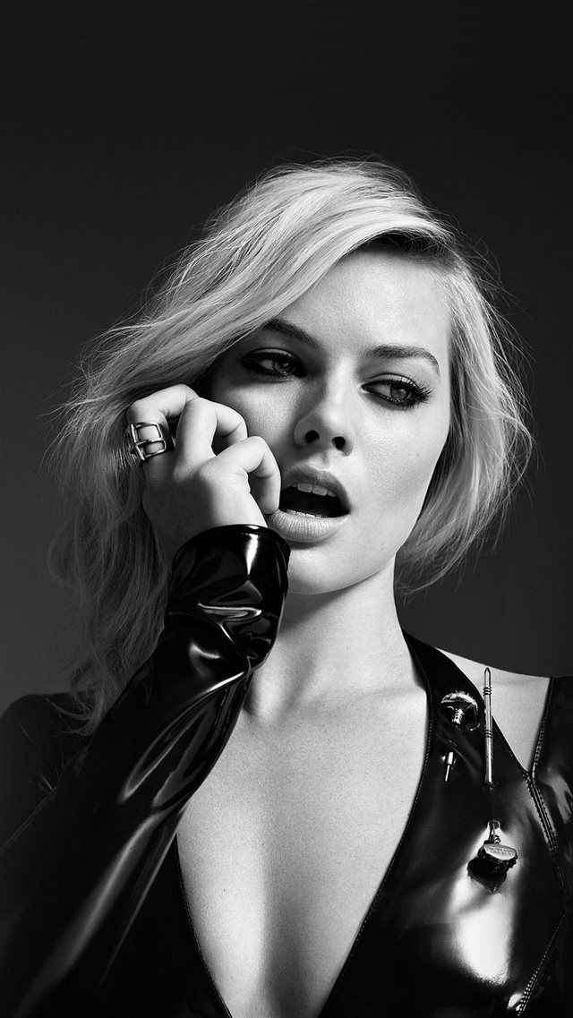 b42aeff509 Margot Robbie Bw Photo Celebrity Girl iPhone 8 Wallpaper Download ...
