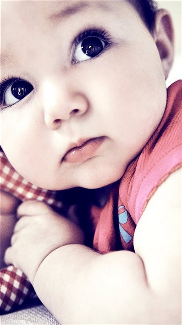 Innocent Lovely Baby Photo iPhone 8 wallpaper