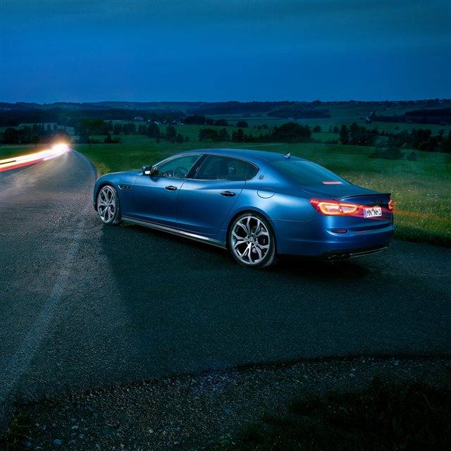 Maserati Quattroporte Novitec Blue Side View Excerpt iPad wallpaper