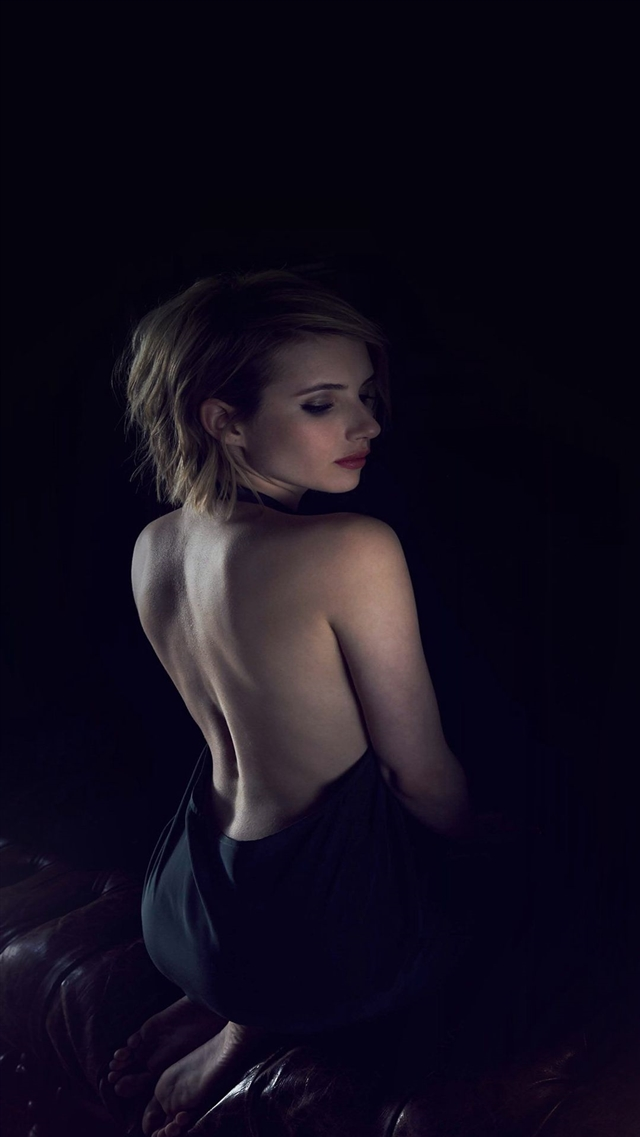 Sexy back film actress iPhone 8 wallpaper