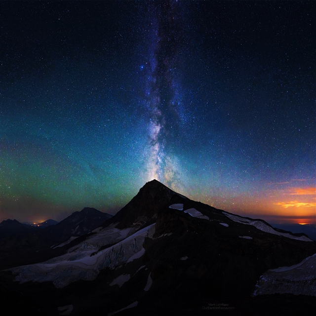 Mountain aurora sky night star milky way iPad Pro wallpaper