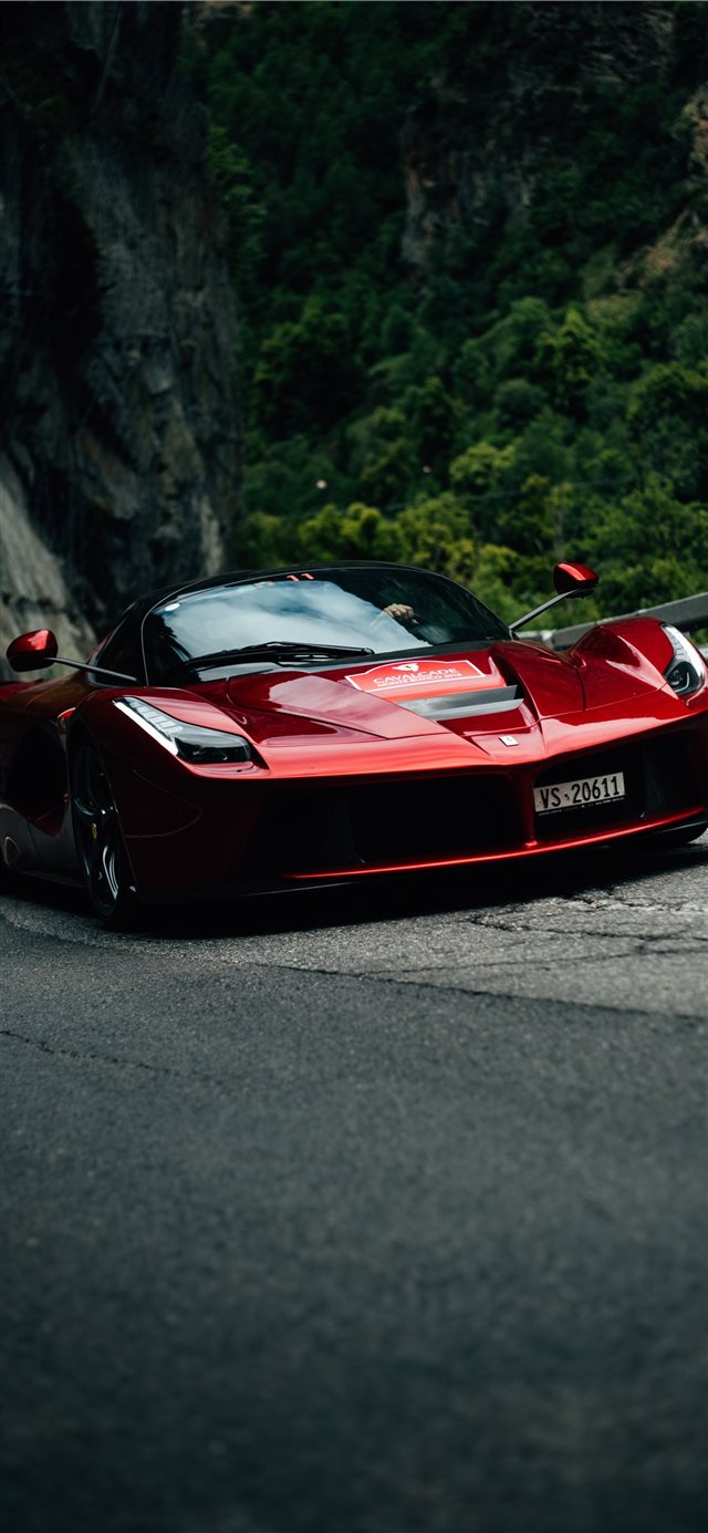 LAFERRARI iPhone 11 wallpaper