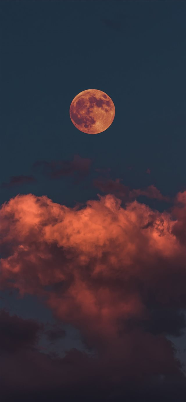 Bloody Moon iPhone X wallpaper