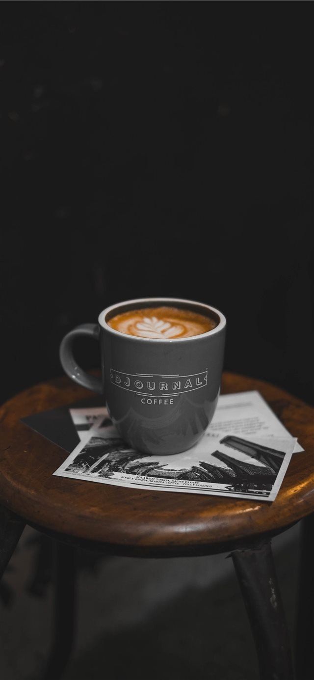 Djournal Latte iPhone 11 wallpaper