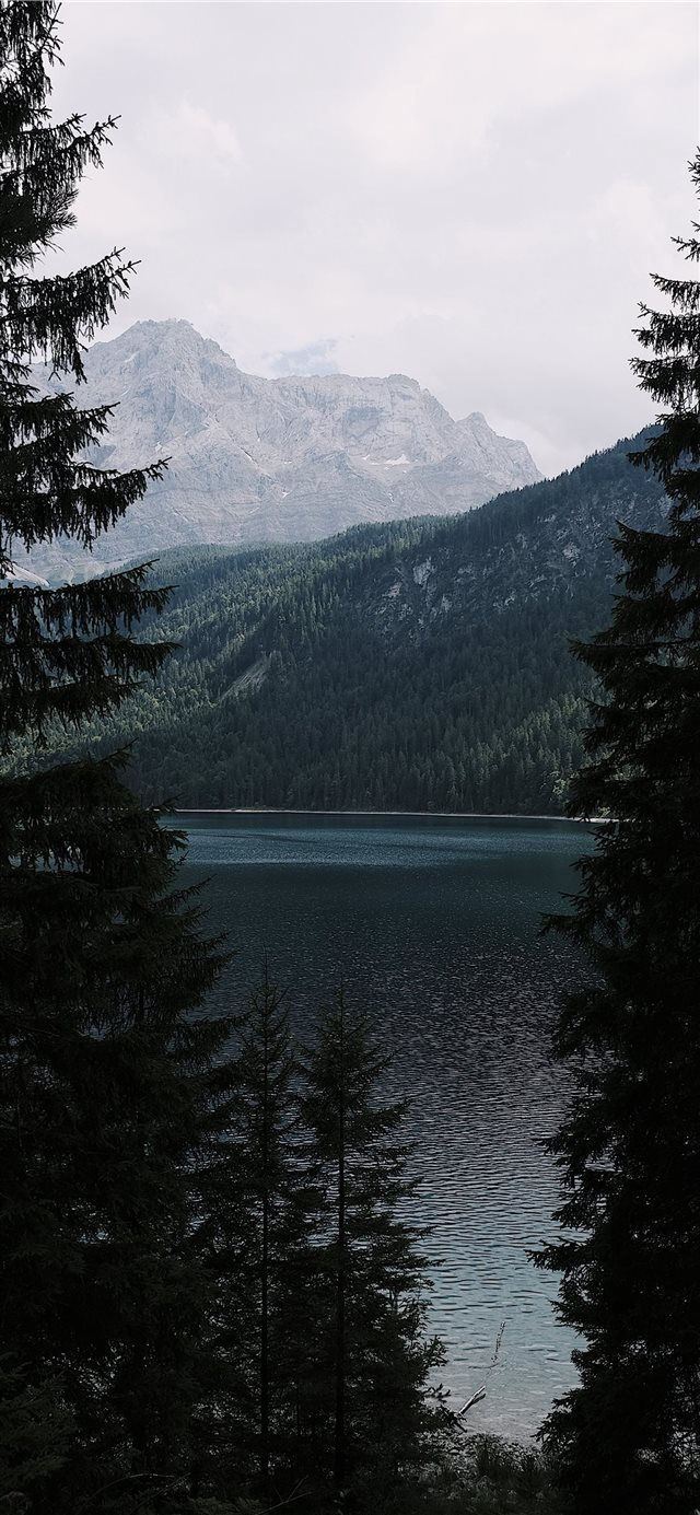 Exploring Lake Eibsee iPhone X wallpaper