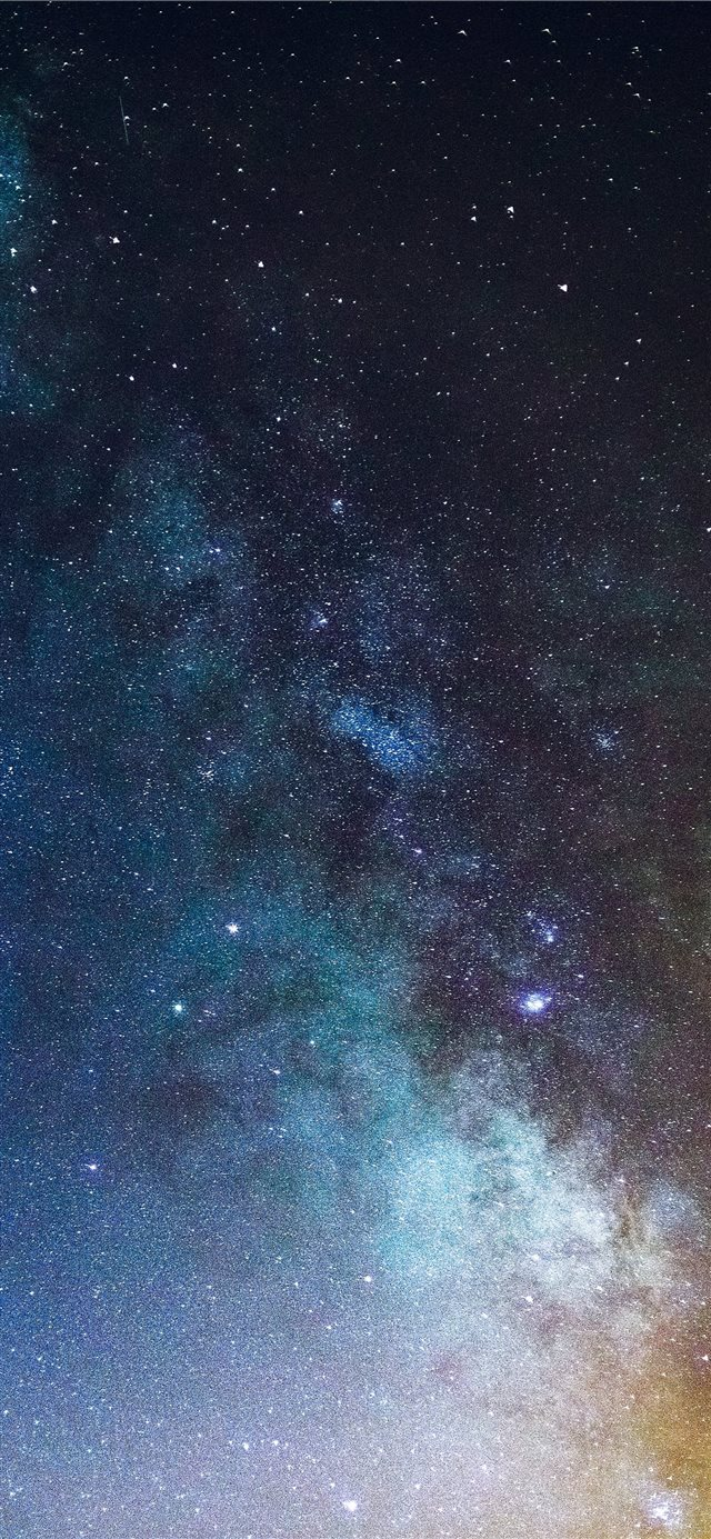 Milky Way over Quelfes  Portugal iPhone X wallpaper