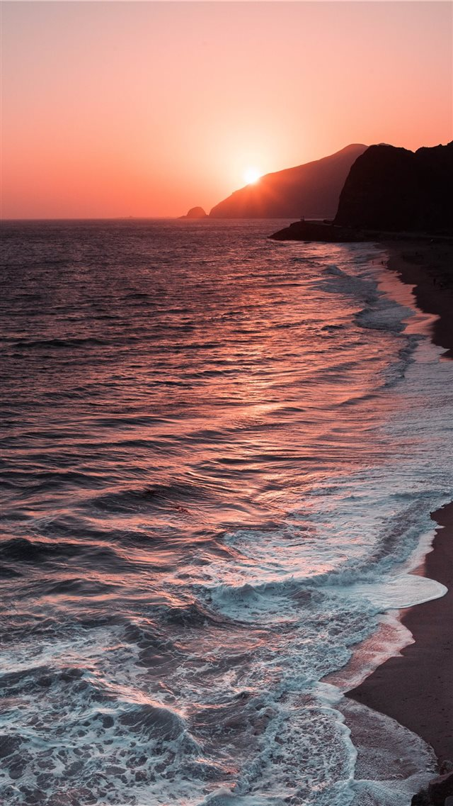 Pacific Coast Highway iPhone SE wallpaper