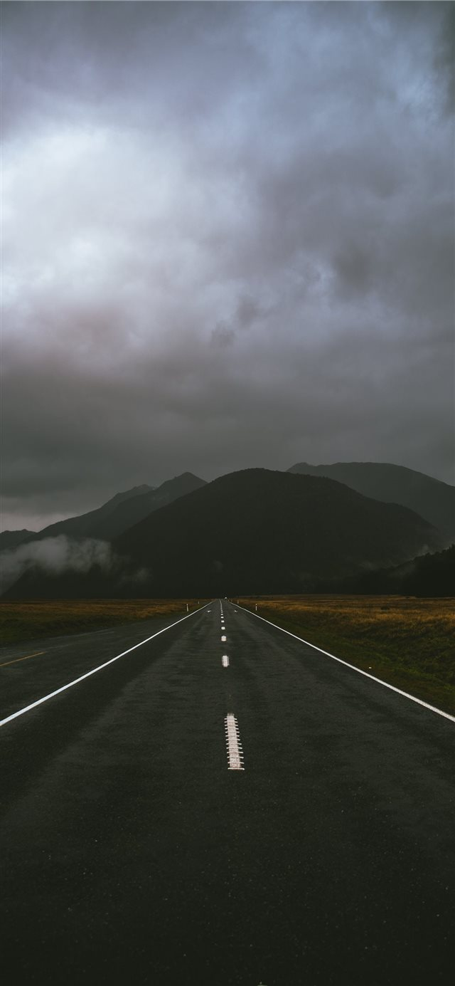 Roadtrip iPhone X wallpaper