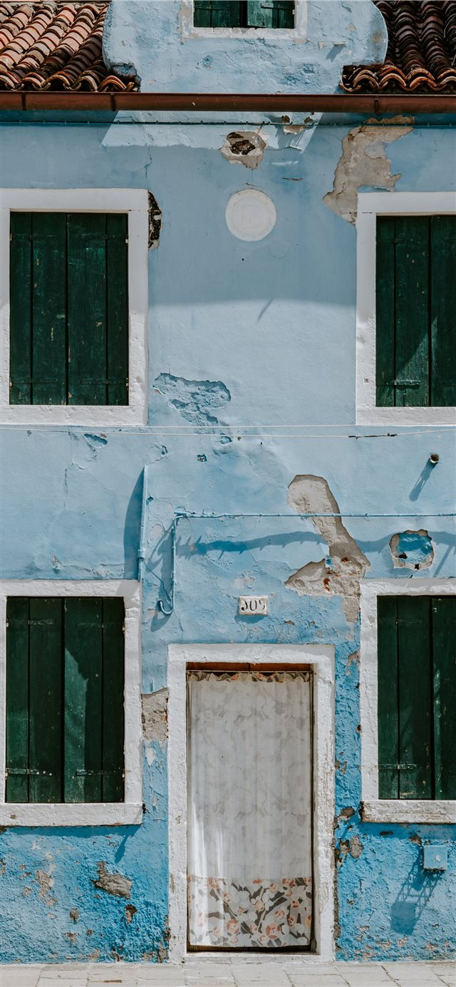 Colourful houses of Burano  Venice iPhone X wallpaper