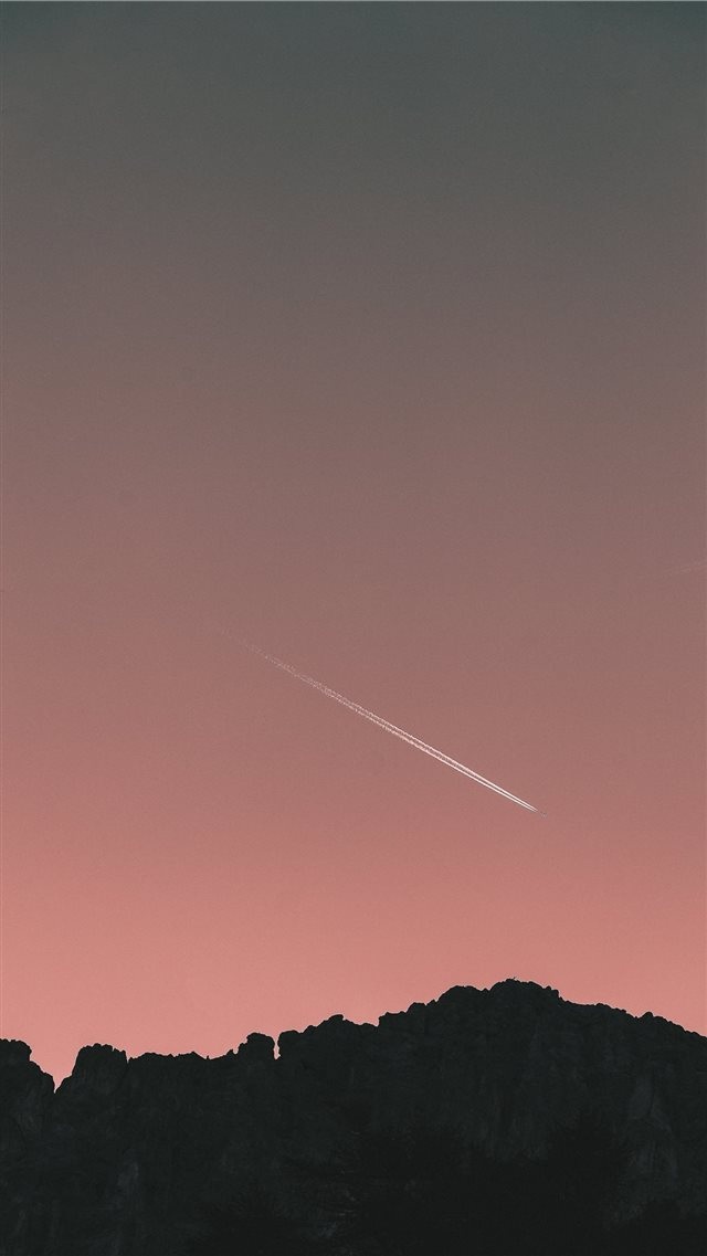 Flight iPhone 8 wallpaper