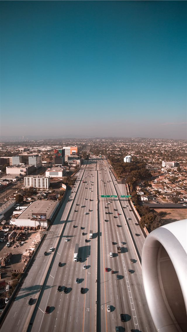 LA Highway iPhone 8 wallpaper