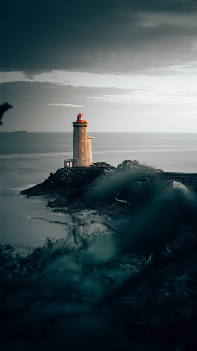 Phare du Petit Minou iPhone 8 wallpaper