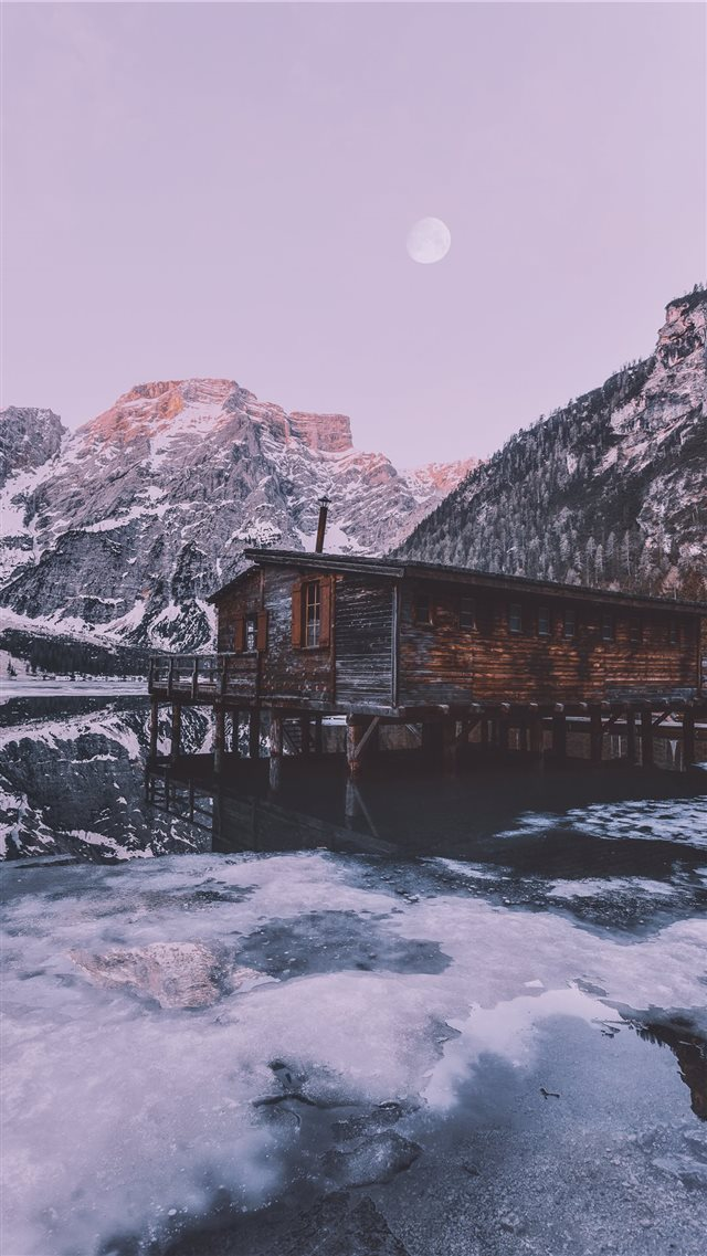 Pragser Wildsee  Italy iPhone 8 wallpaper