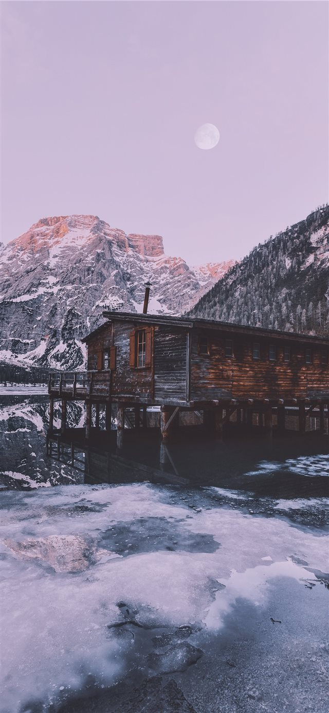 Pragser Wildsee  Italy iPhone X wallpaper