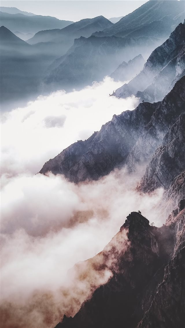 Sun   fog   mountains iPhone SE wallpaper