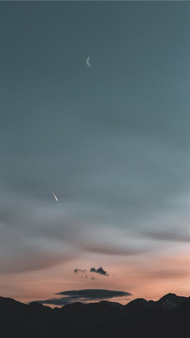 Blue hour iPhone 8 wallpaper