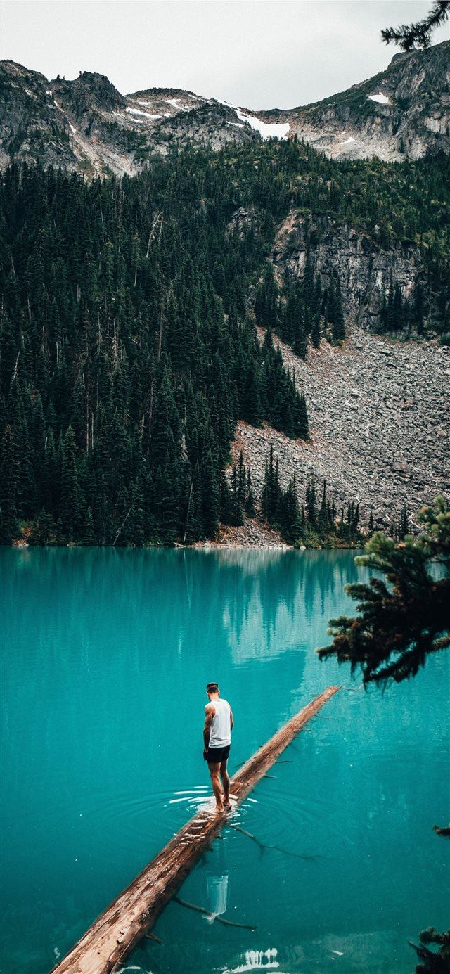Cerulean Lakes iPhone 11 wallpaper