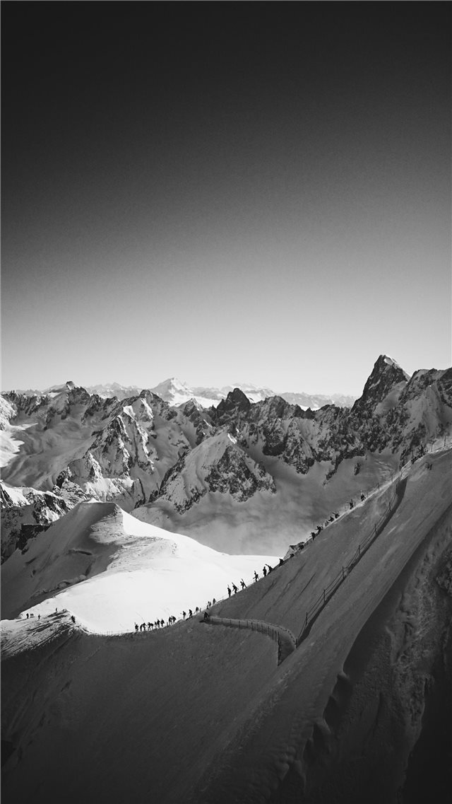 Chamonix  France iPhone SE wallpaper