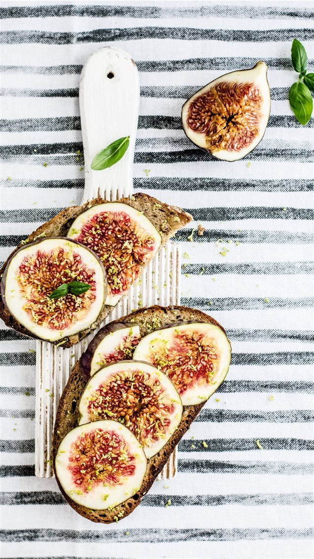 Figs on toast iPhone 8 wallpaper