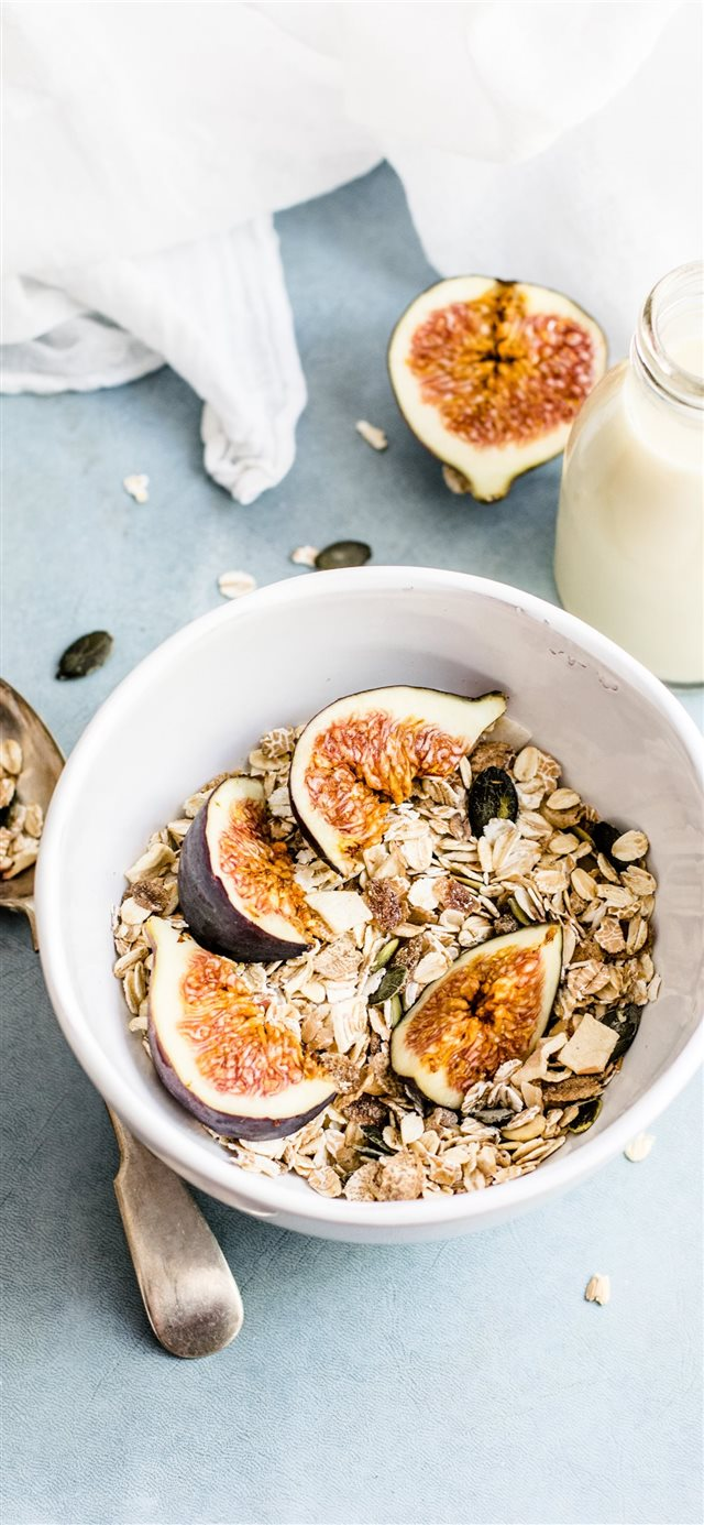 Granola with figs iPhone X wallpaper