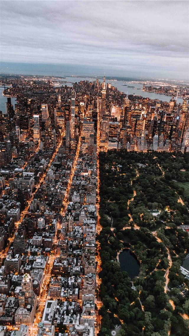 Aerial of Central Park and New York City iPhone SE wallpaper