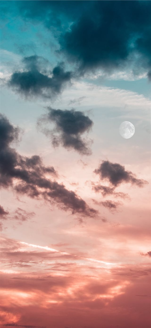 New moon iPhone X wallpaper