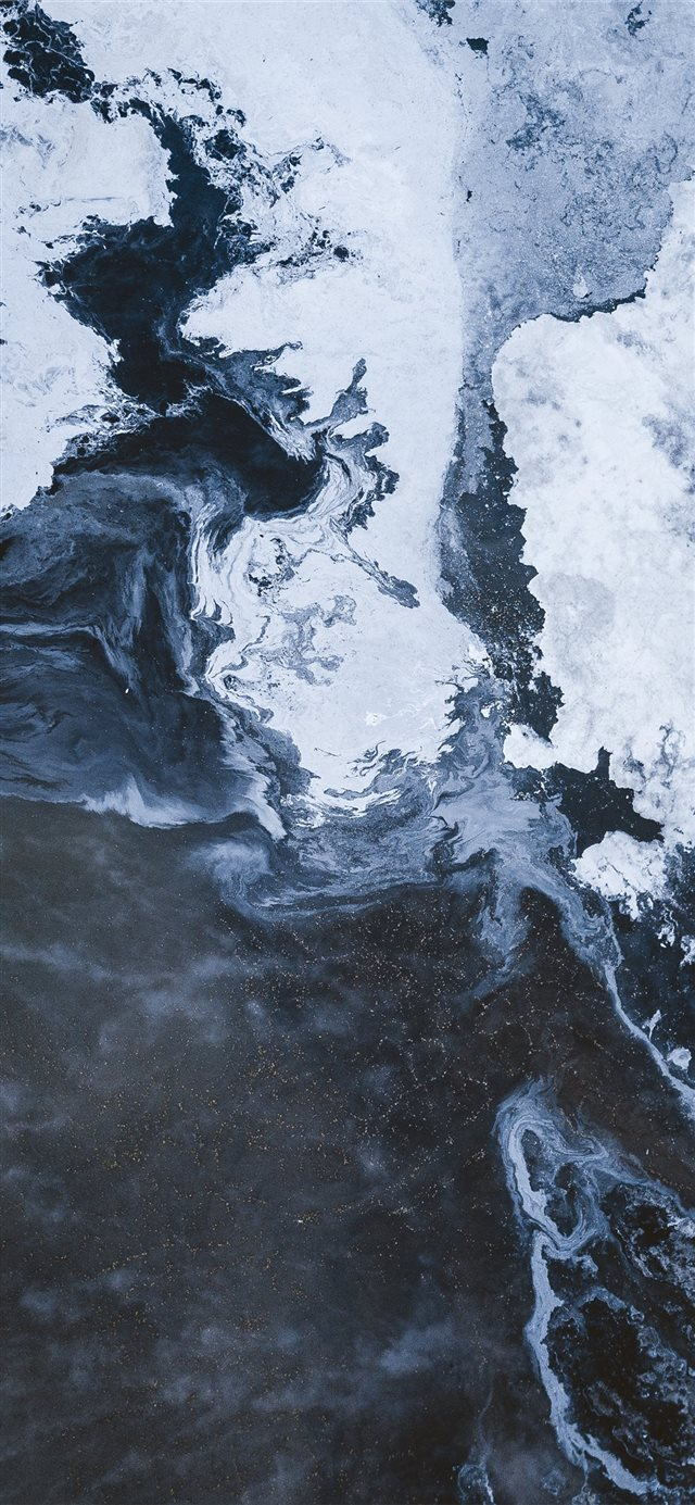 Winter's embrace iPhone X wallpaper