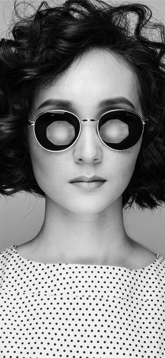 woman wearing sunglasses iPhone X wallpaper