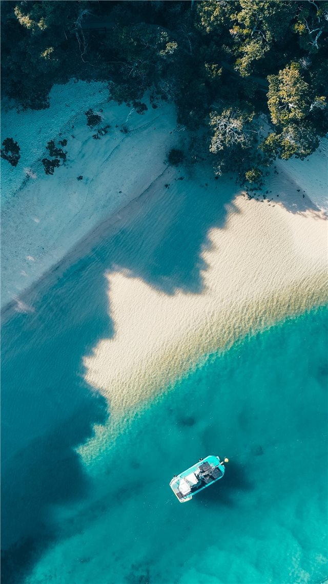 Best swimming beach in Australia iPhone SE wallpaper