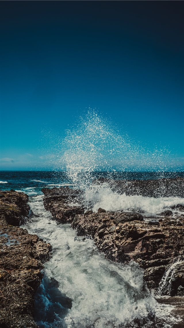 Laguna Beach iPhone 8 wallpaper