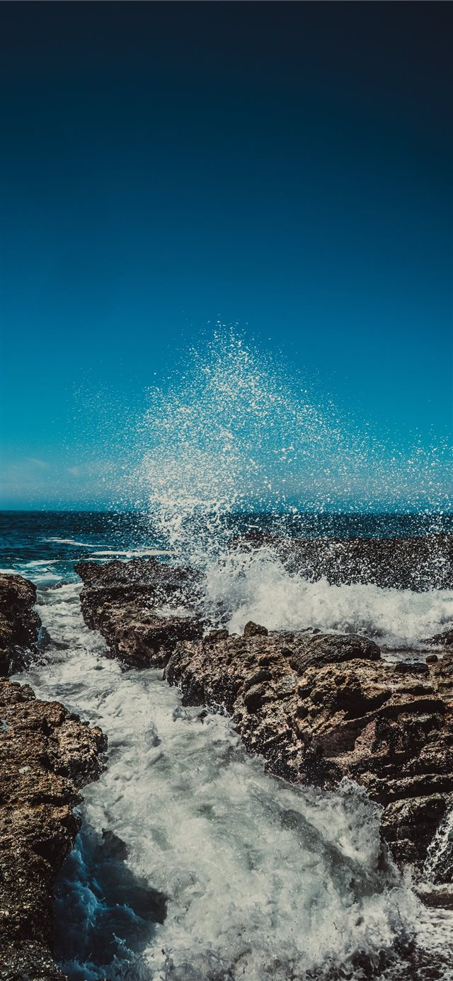 Laguna Beach iPhone X wallpaper