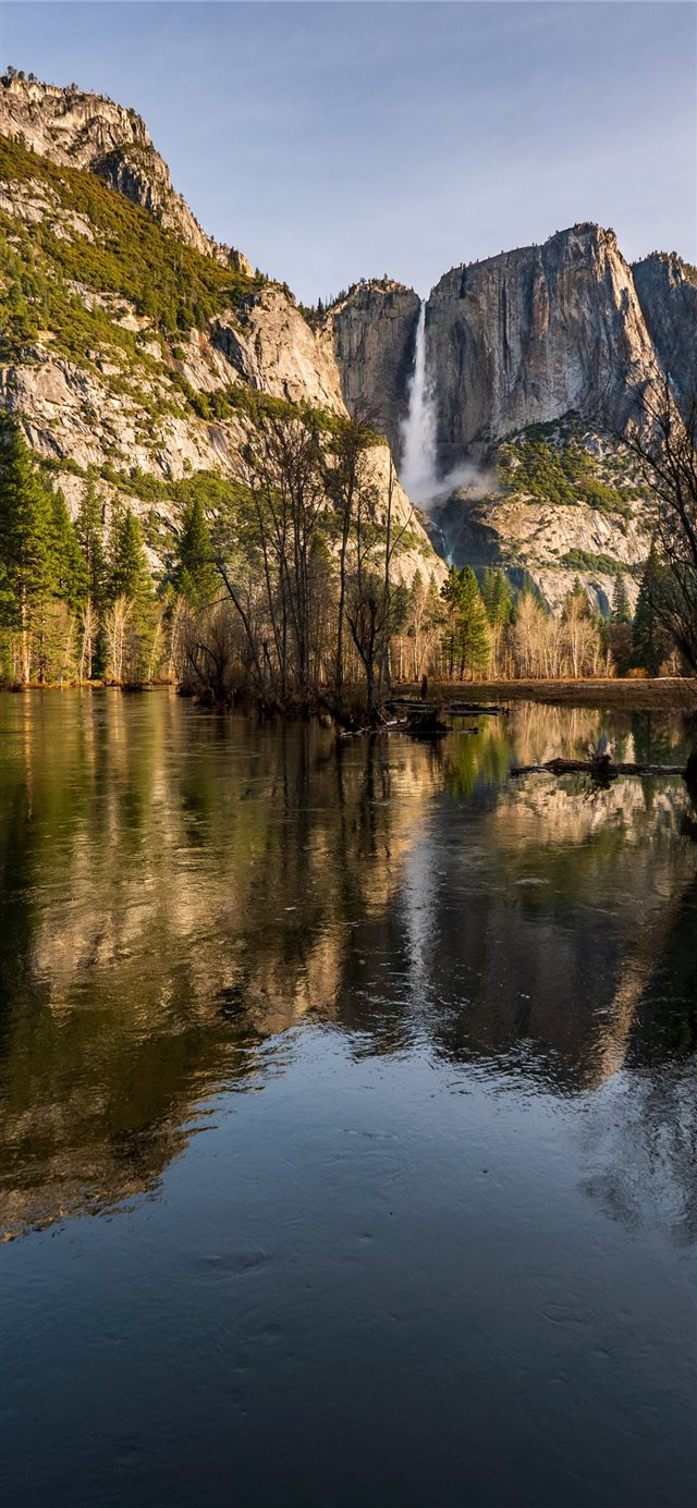 The reflection of Yosemite Falls appears in spring... iPhone X wallpaper