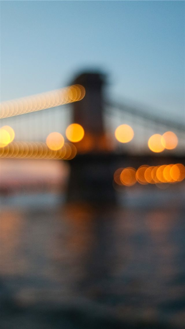 Budapest bridge iPhone 8 wallpaper