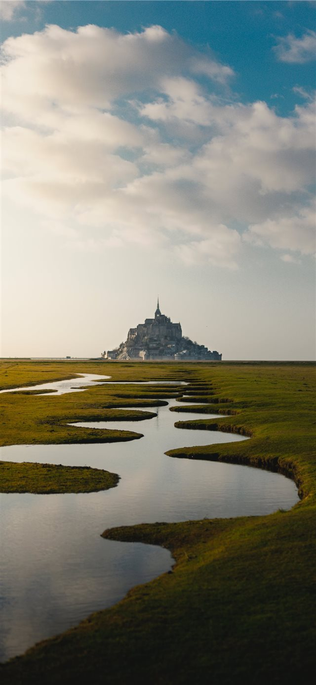 Mont Saint Michel  France iPhone X wallpaper