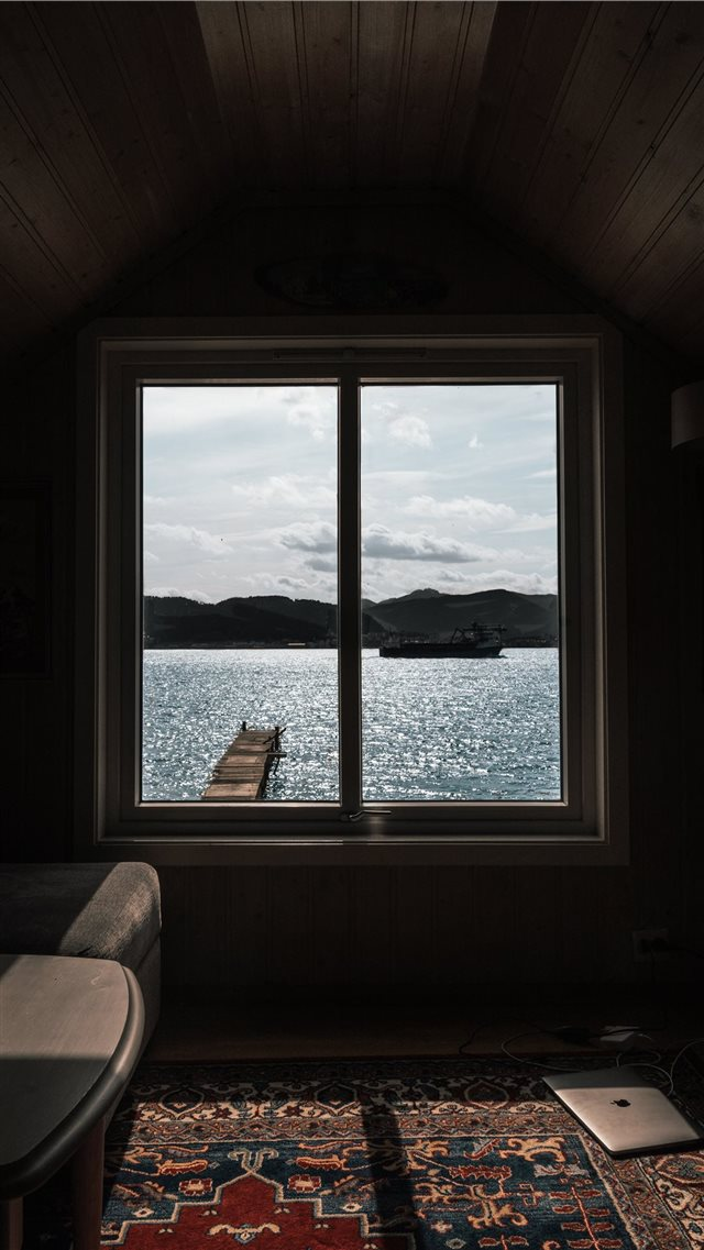 Norway  Ålesund   Office for the weekend   iPhone 8 wallpaper