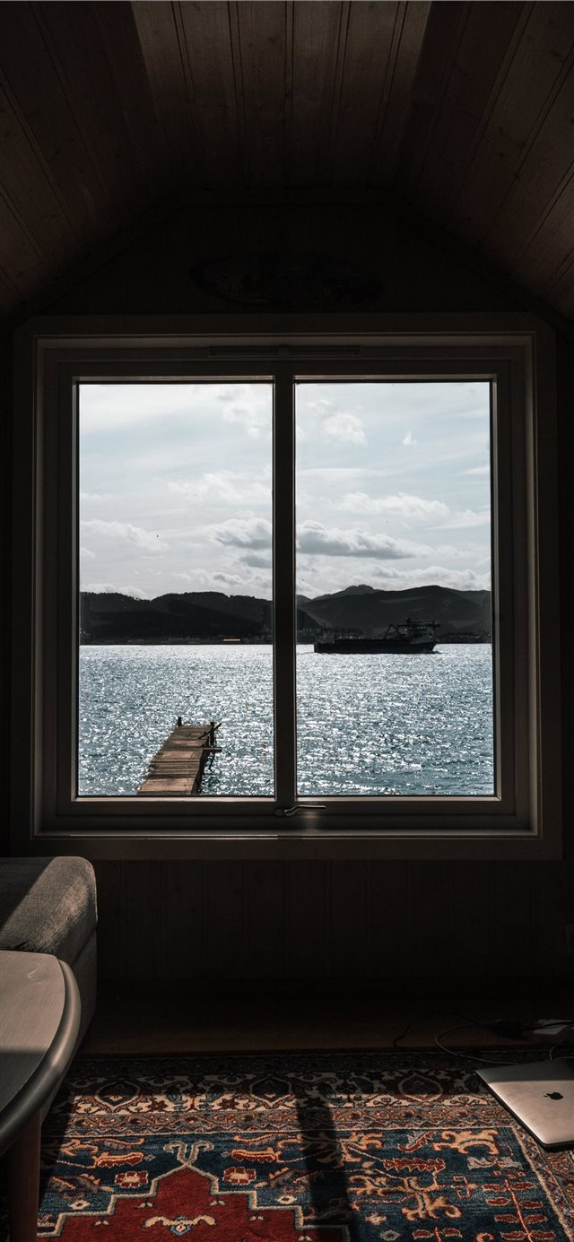 Norway  Ålesund   Office for the weekend   iPhone X wallpaper